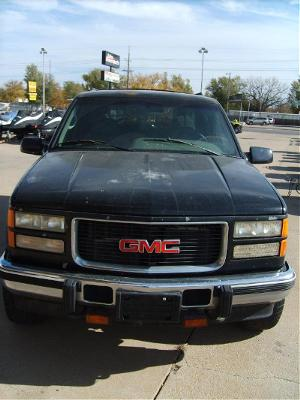 1995 GMC GMC SUBURBAN 4x4 diesel in South Hutchinson, Kansas - Photo 6