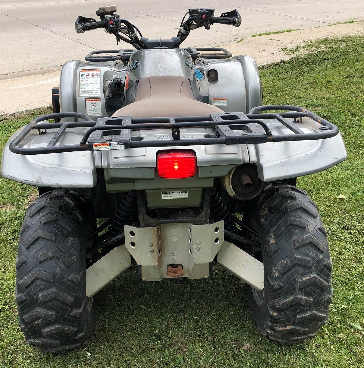 2002 Yamaha Grizzly 660 in Port Washington, Wisconsin