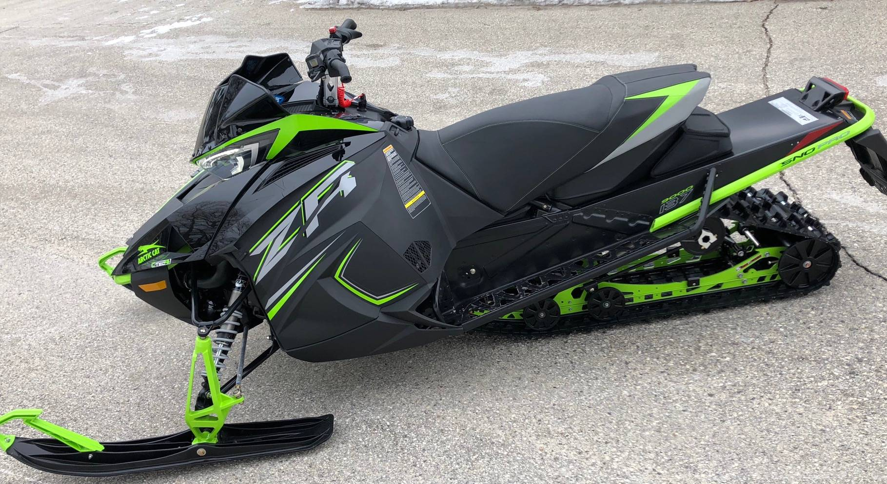 2019 Arctic Cat ZR 9000 Sno Pro 137 in Port Washington, Wisconsin - Photo 2