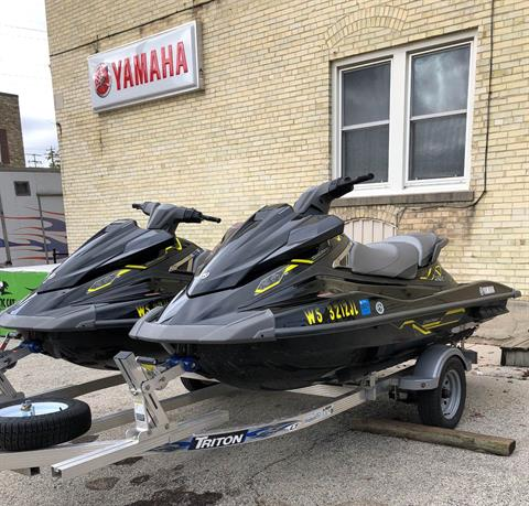 2015 Yamaha VX® Deluxe in Port Washington, Wisconsin