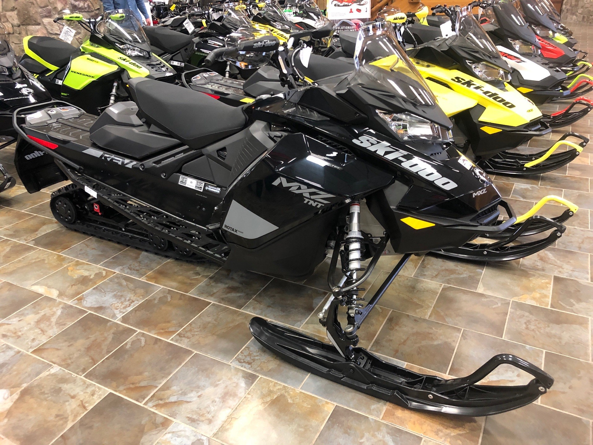 2020 Ski-Doo MXZ TNT 850 E-TEC ES Ripsaw 1.25 in Honesdale, Pennsylvania - Photo 1
