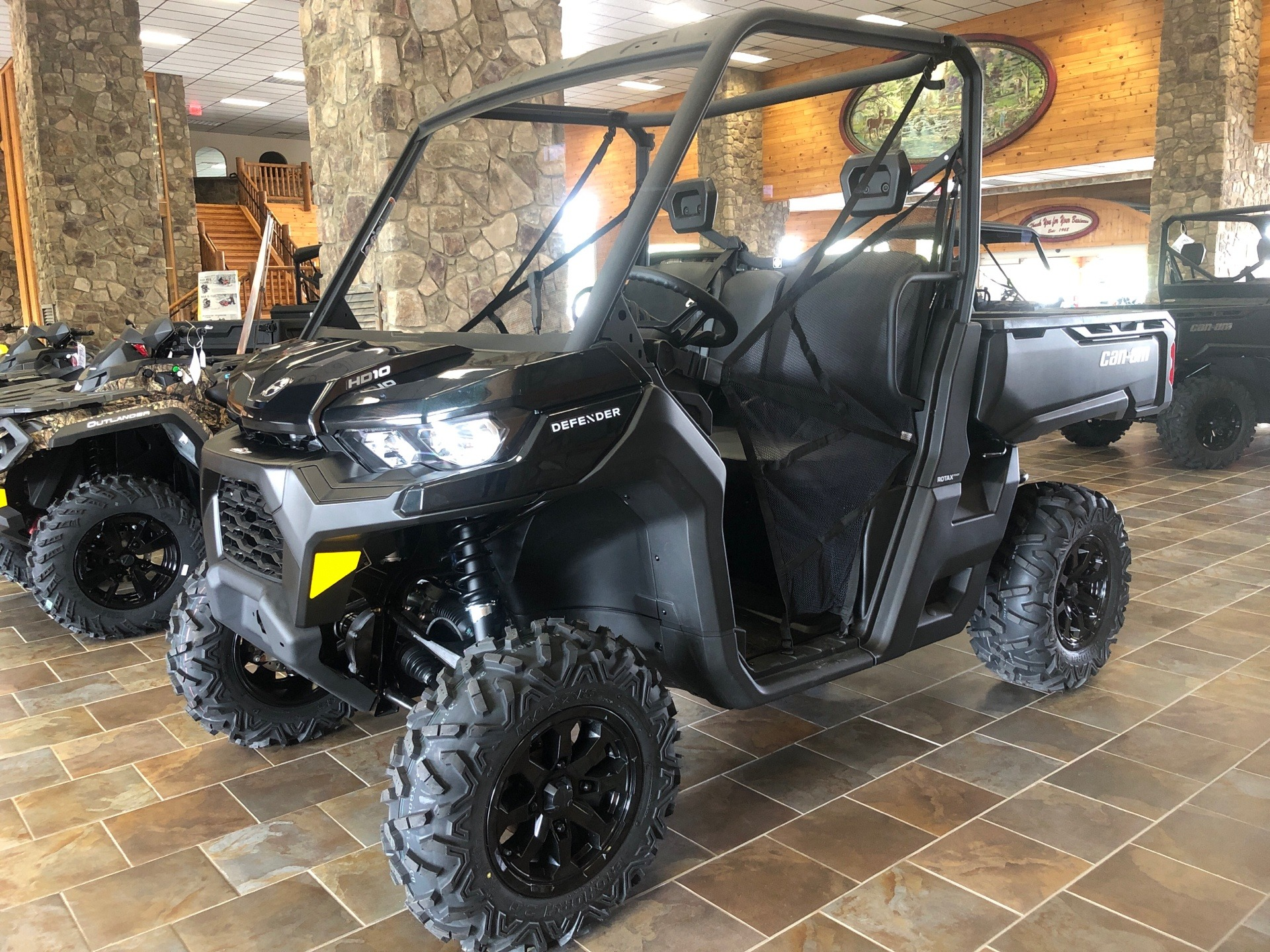 2021 Can-Am Defender DPS HD10 in Honesdale, Pennsylvania - Photo 1