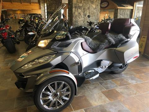 2014 Can-Am Spyder® RT Limited in Honesdale, Pennsylvania