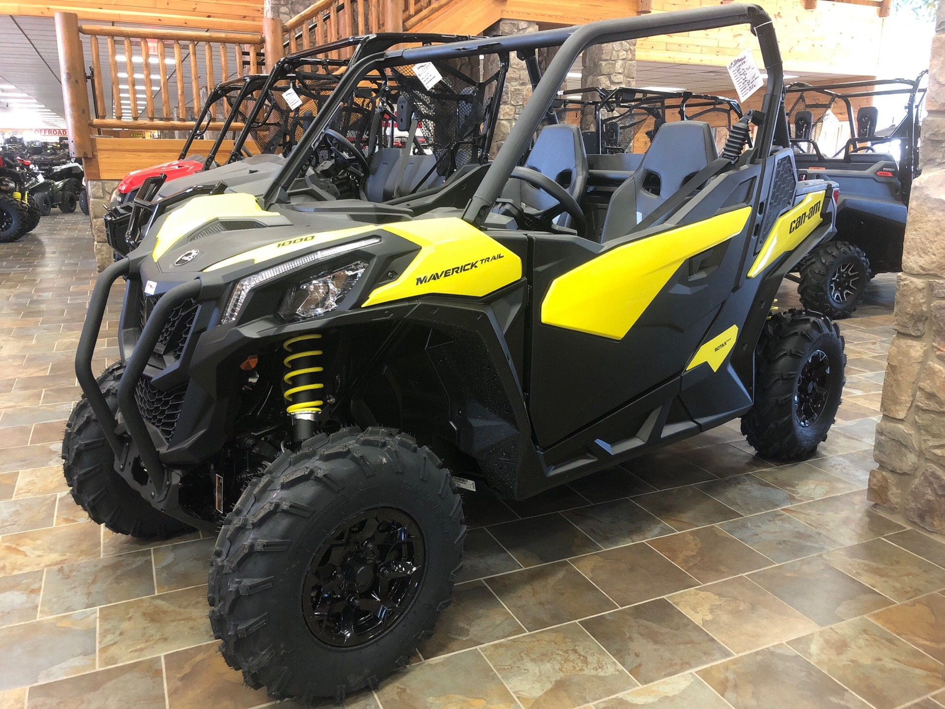 2019 Can-Am Maverick Trail DPS 1000 in Honesdale, Pennsylvania