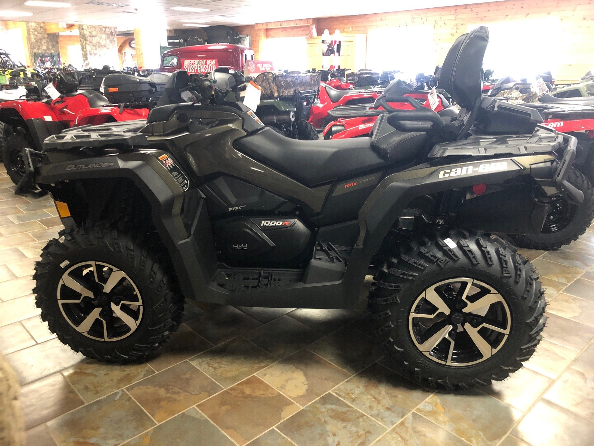 2019 Can-Am Outlander MAX Limited 1000R in Honesdale, Pennsylvania - Photo 1
