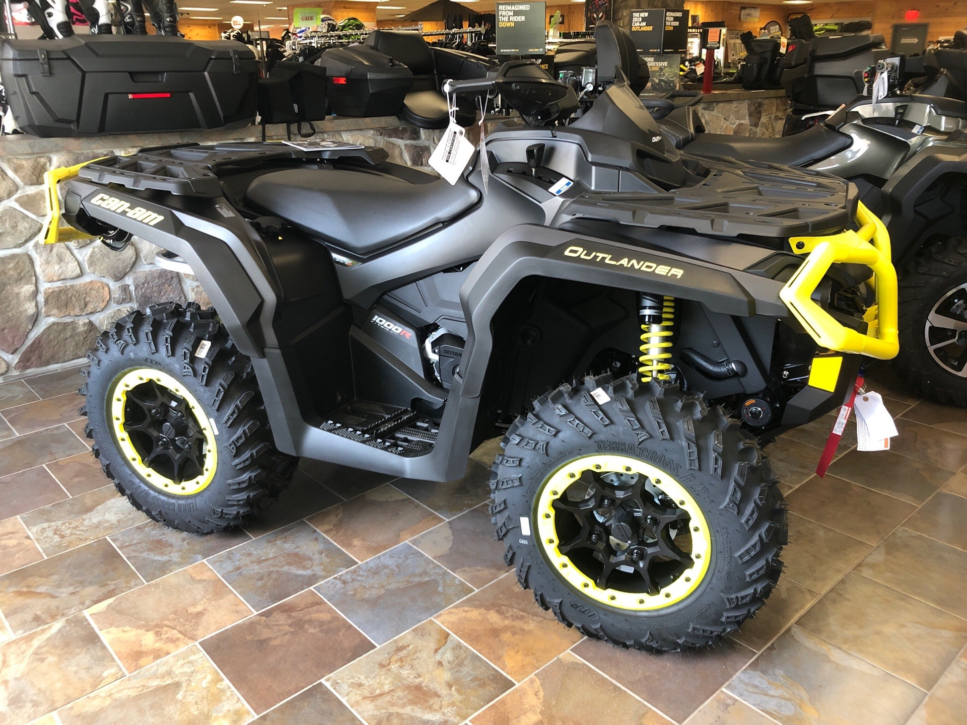 2019 Can-Am Outlander XT-P 1000R in Honesdale, Pennsylvania - Photo 1