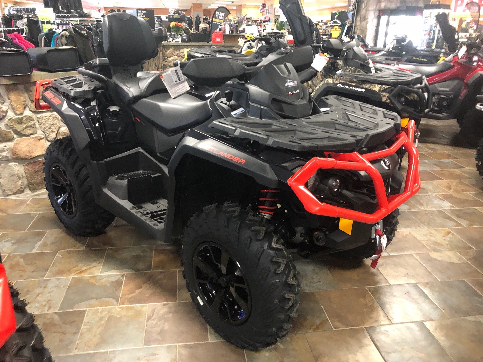 2019 Can-Am Outlander MAX XT 650 in Honesdale, Pennsylvania - Photo 1