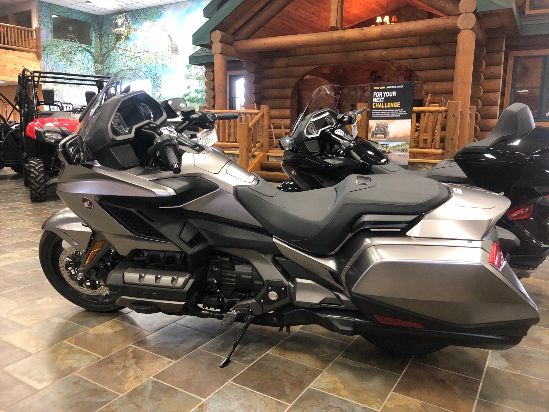2018 Honda Gold Wing DCT in Honesdale, Pennsylvania - Photo 2