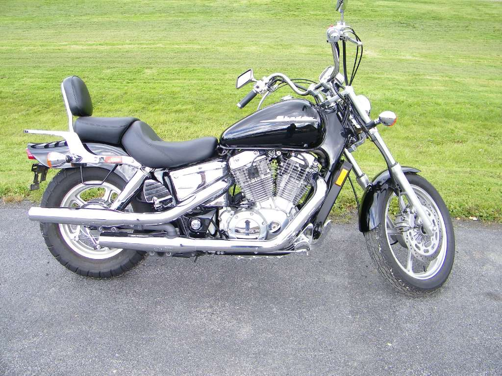 2007 Honda VT1100 in Galeton, Pennsylvania - Photo 1