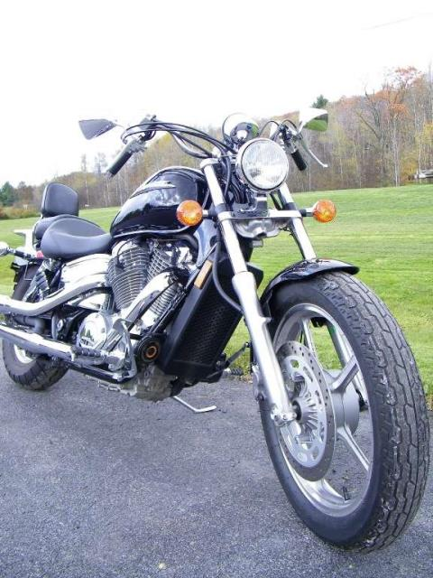 2007 Honda VT1100 in Galeton, Pennsylvania - Photo 2