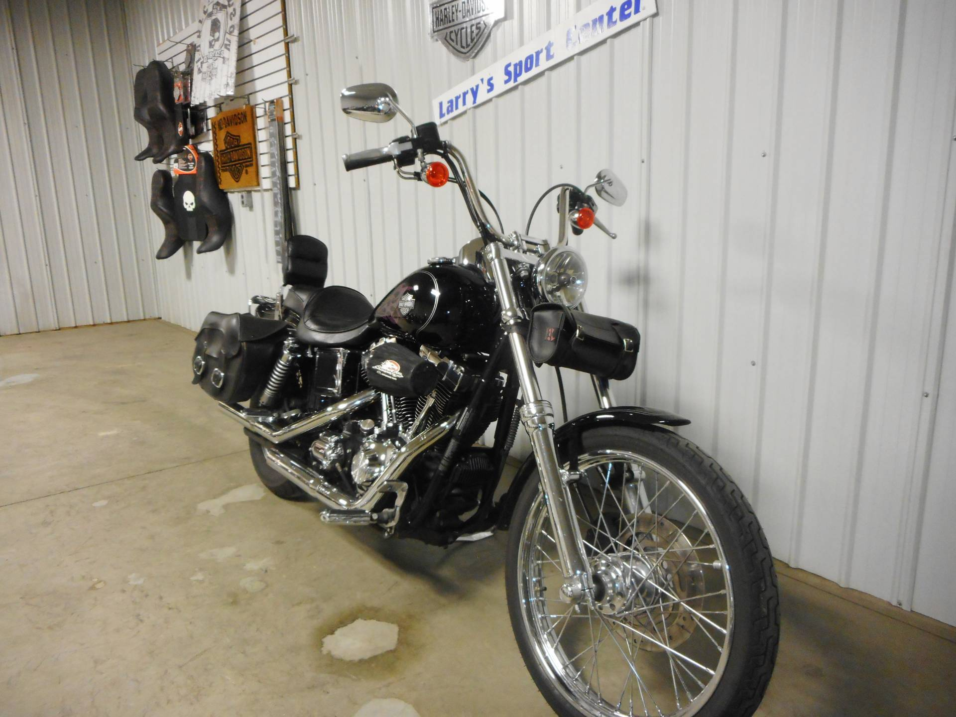 2005 Harley-Davidson FXDWG/FXDWGI Dyna Wide Glide® in Galeton, Pennsylvania - Photo 2