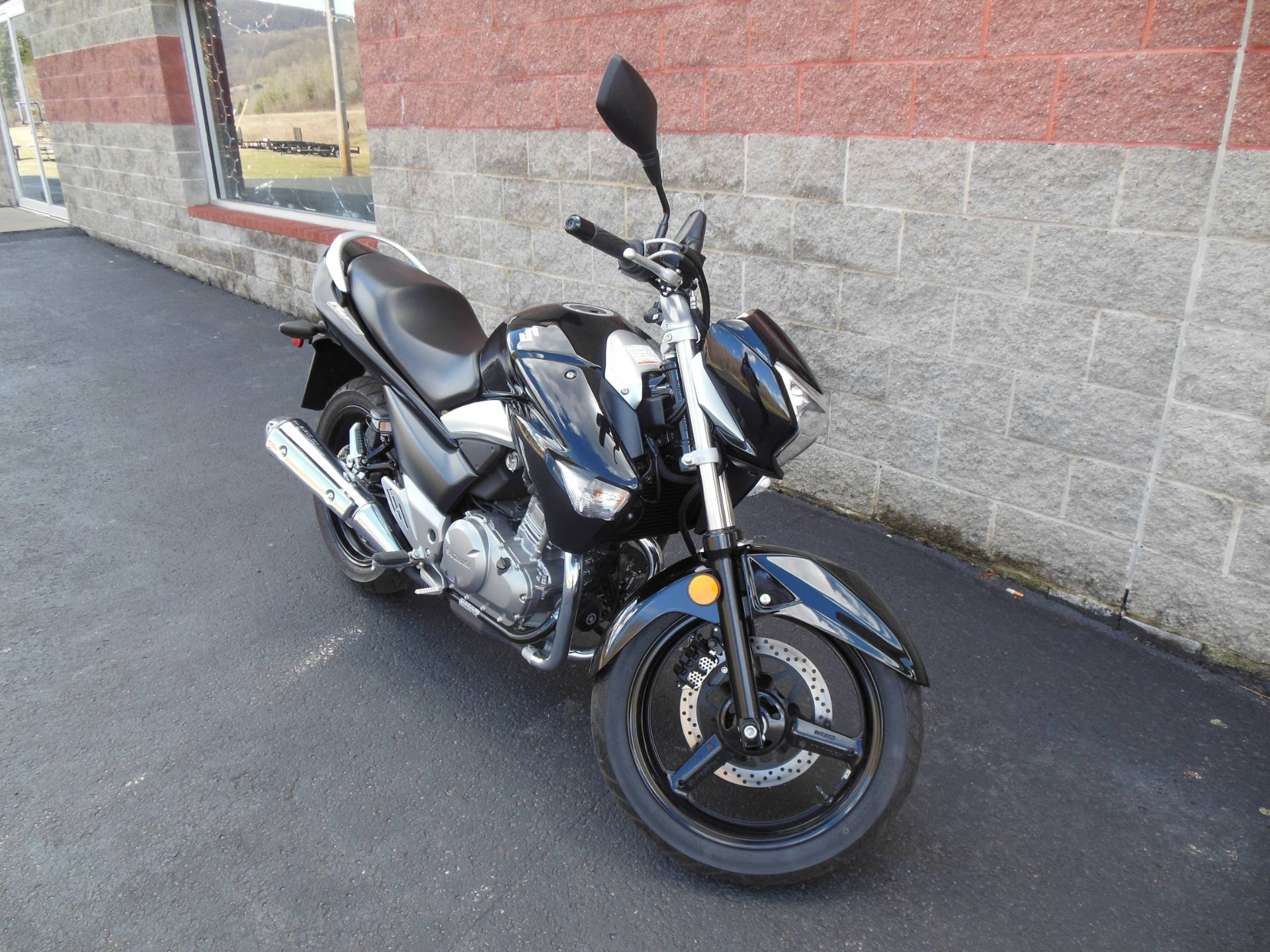 2013 Suzuki GW250 in Galeton, Pennsylvania - Photo 2