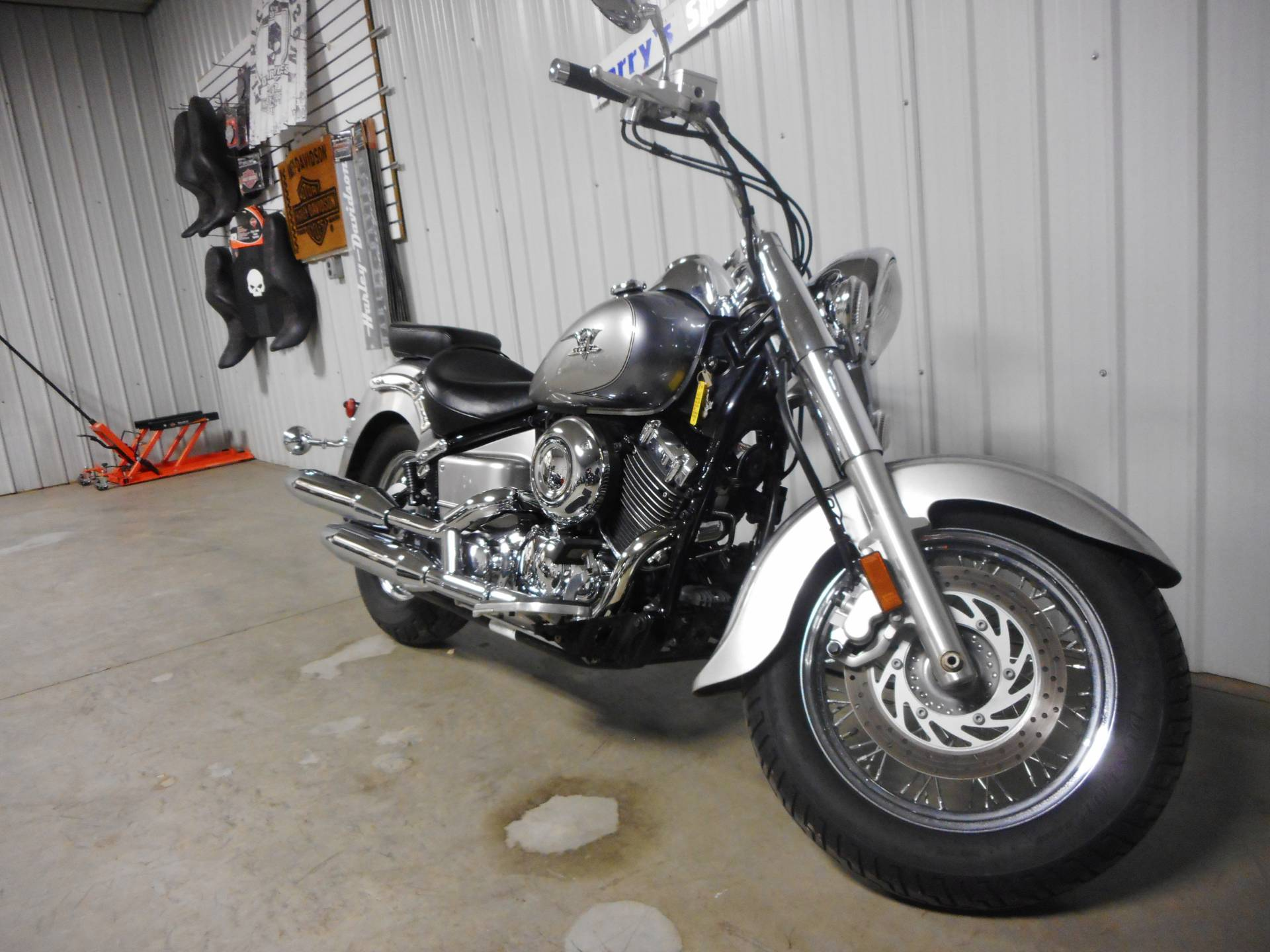 2009 Yamaha V Star 650 Classic in Galeton, Pennsylvania - Photo 2