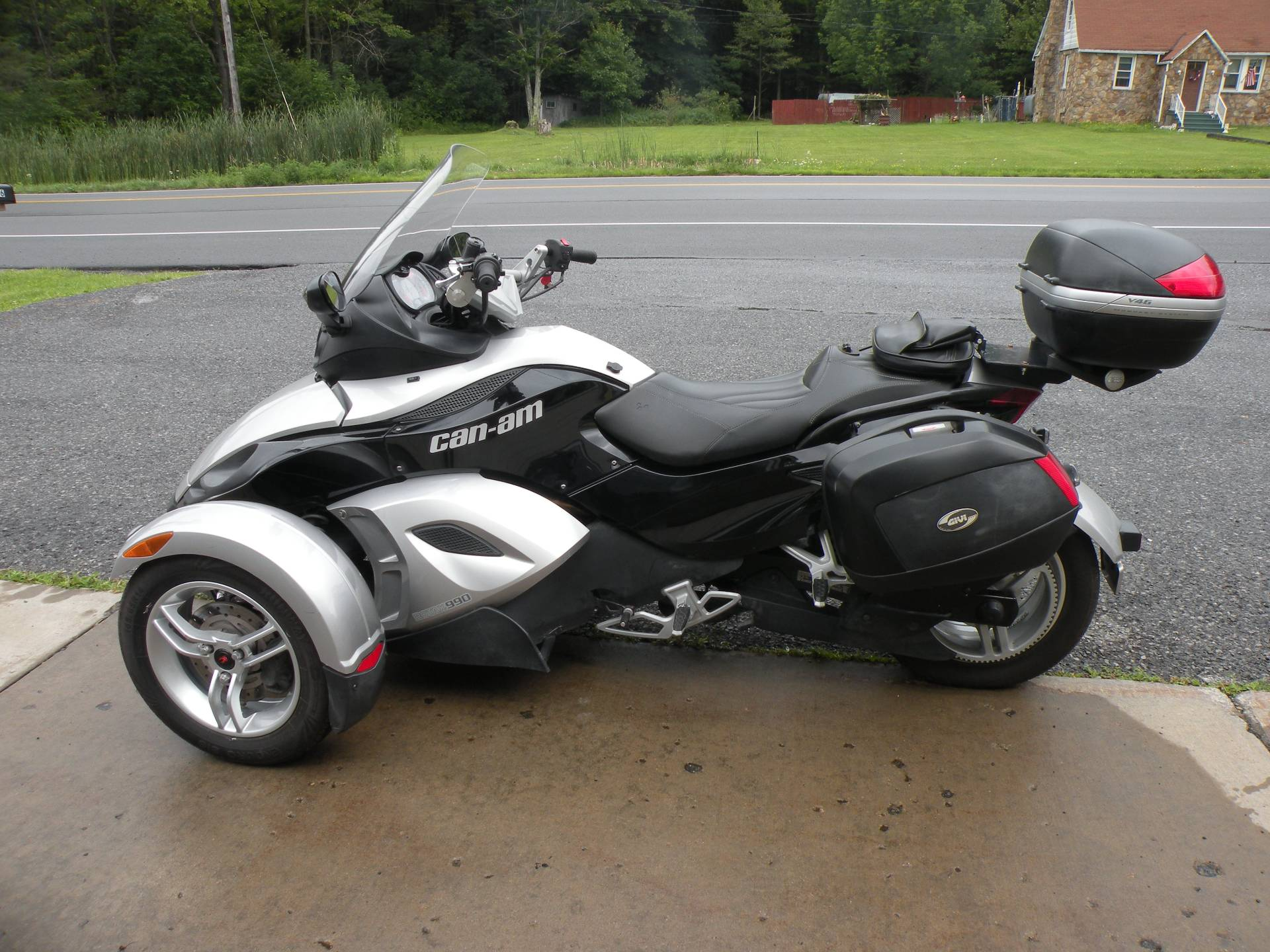 2009 Can-Am Spyder™ GS Roadster with SM5 Transmission (manual) in Windber