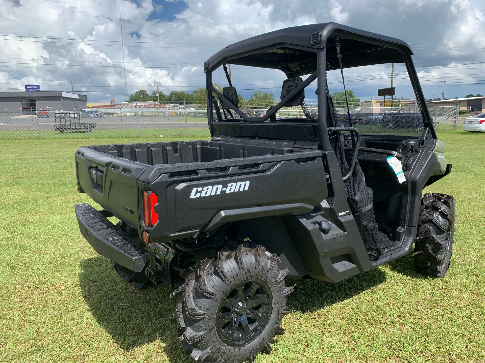 2020 Can-Am Defender HD8 in Tifton, Georgia - Photo 2