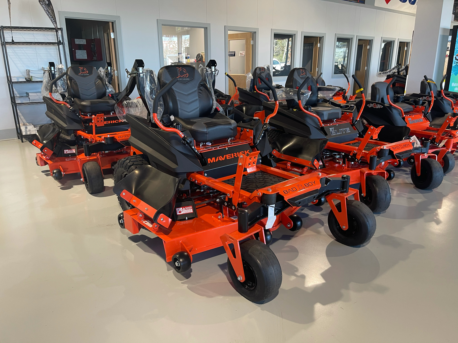 2021 Bad Boy Mowers Maverick 60 in. Kohler Confidant 747 cc in Valdosta, Georgia - Photo 2