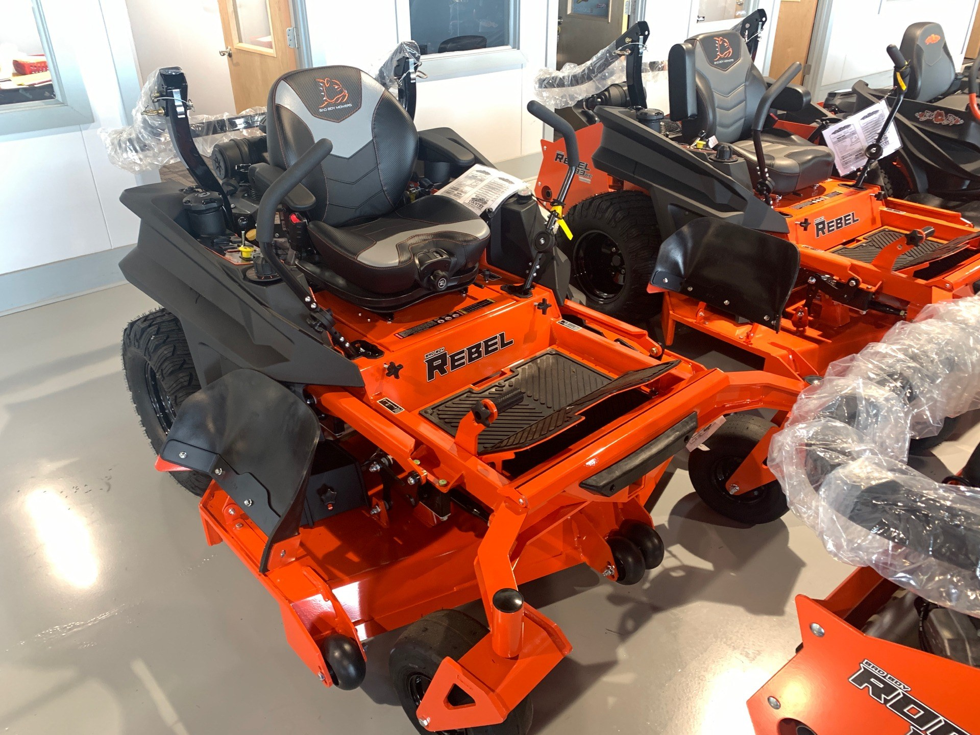 2020 Bad Boy Mowers Rebel 61 in. Kawasaki FX 999 cc in Valdosta, Georgia - Photo 2