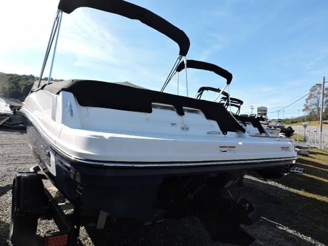 2019 Bayliner VR5 Bowrider I/O in Young Harris, Georgia