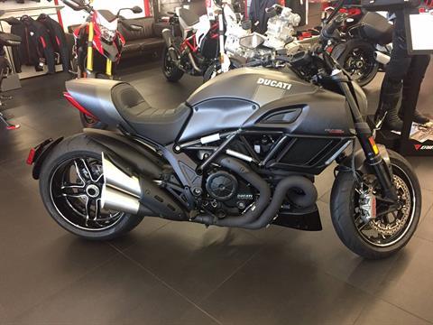 2016 Ducati Diavel Carbon in Austin, Texas