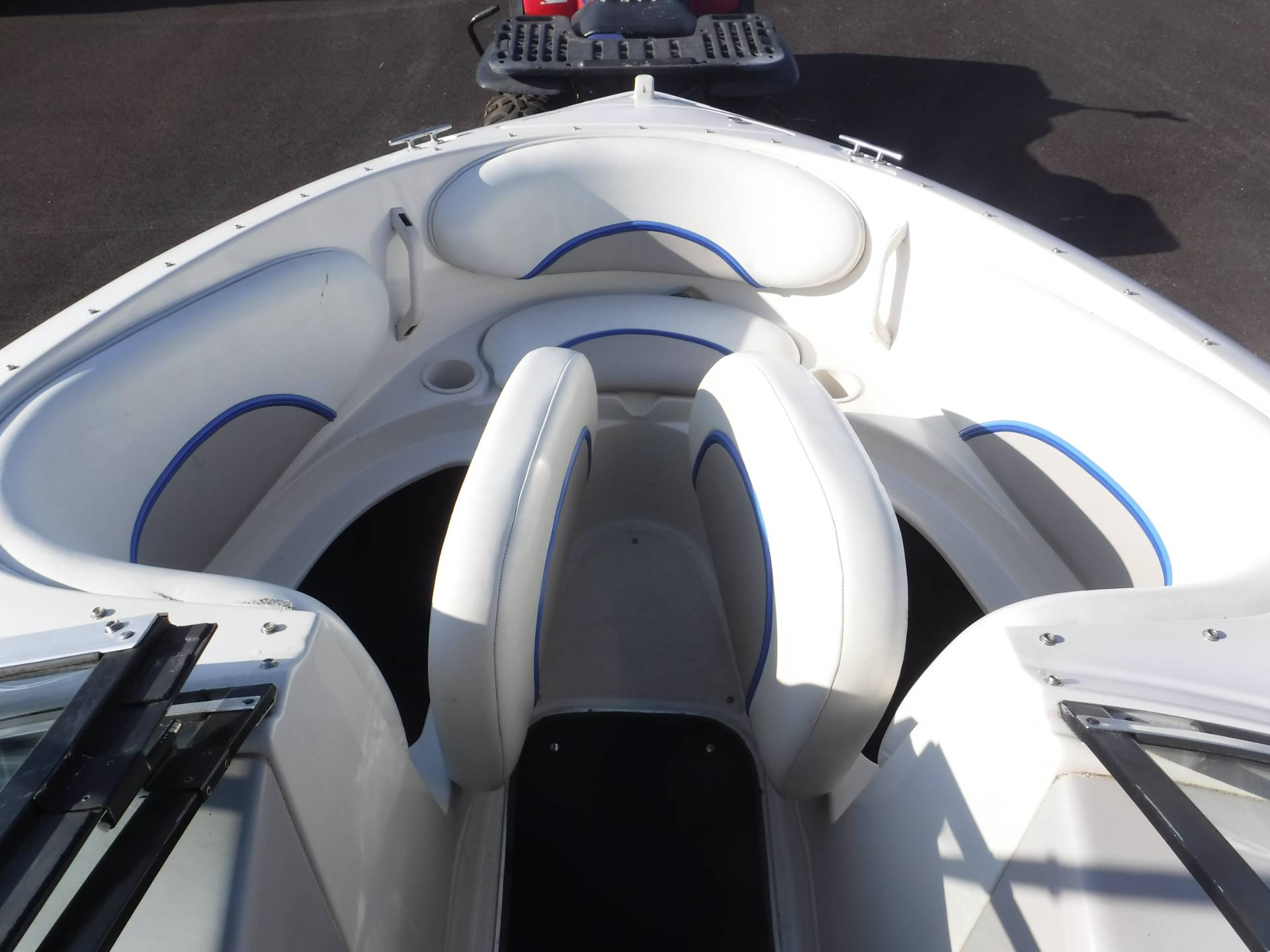 1995 Chris-Craft 19 Concept Bowrider in Spearfish, South Dakota