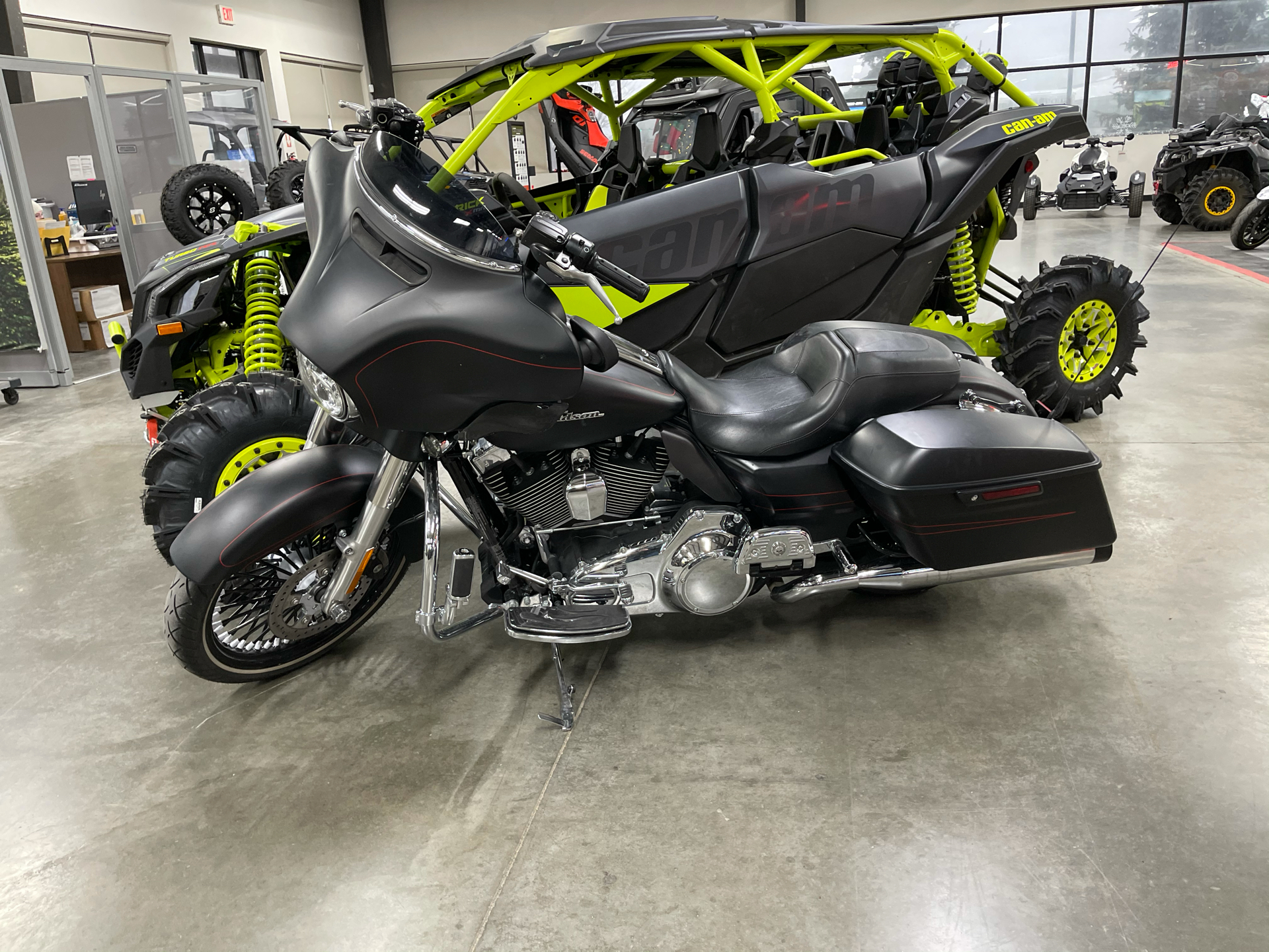2016 Harley-Davidson Street Glide® Special in Grimes, Iowa - Photo 1