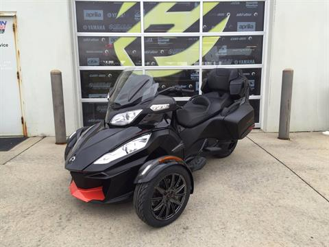2016 Can-Am Spyder RT-S Special Series in Grimes, Iowa