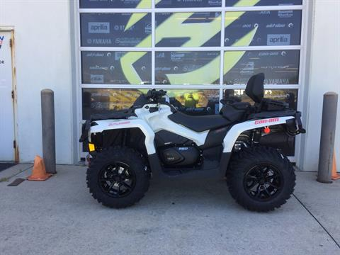 2017 Can-Am Outlander MAX XT 650 in Grimes, Iowa