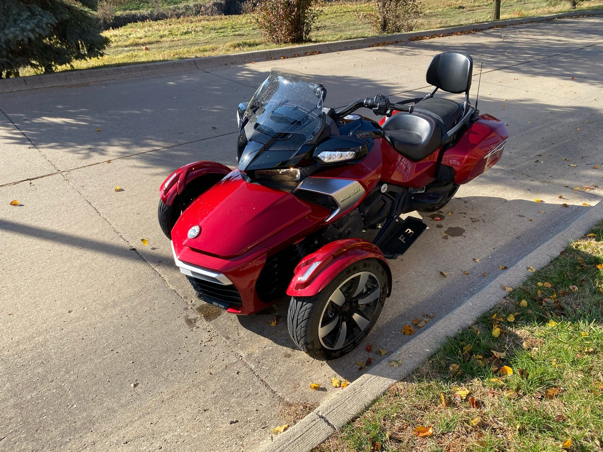 2016 Can-Am Spyder F3-T SE6 w/ Audio System in Grimes, Iowa - Photo 4