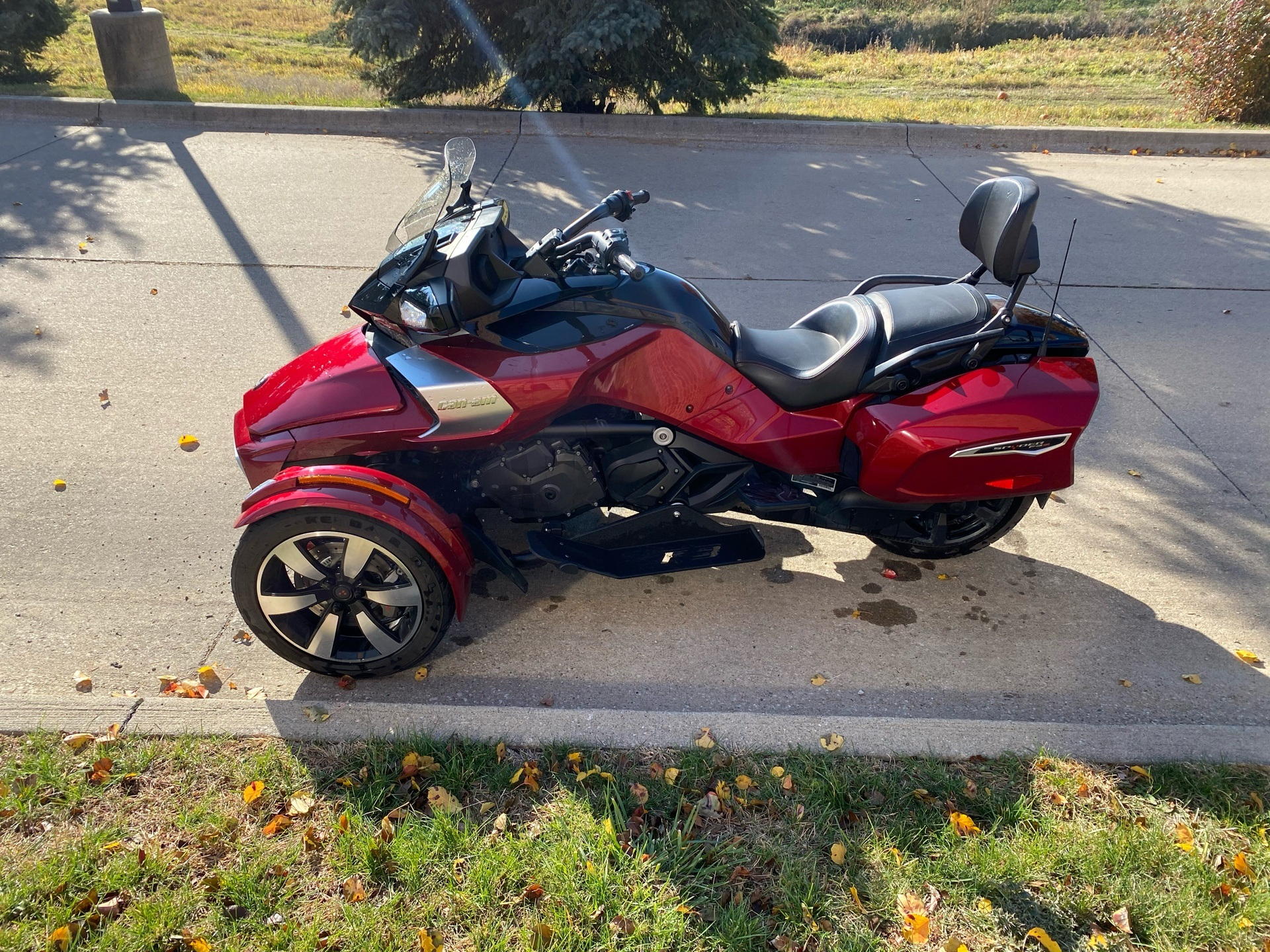 2016 Can-Am Spyder F3-T SE6 w/ Audio System in Grimes, Iowa - Photo 5