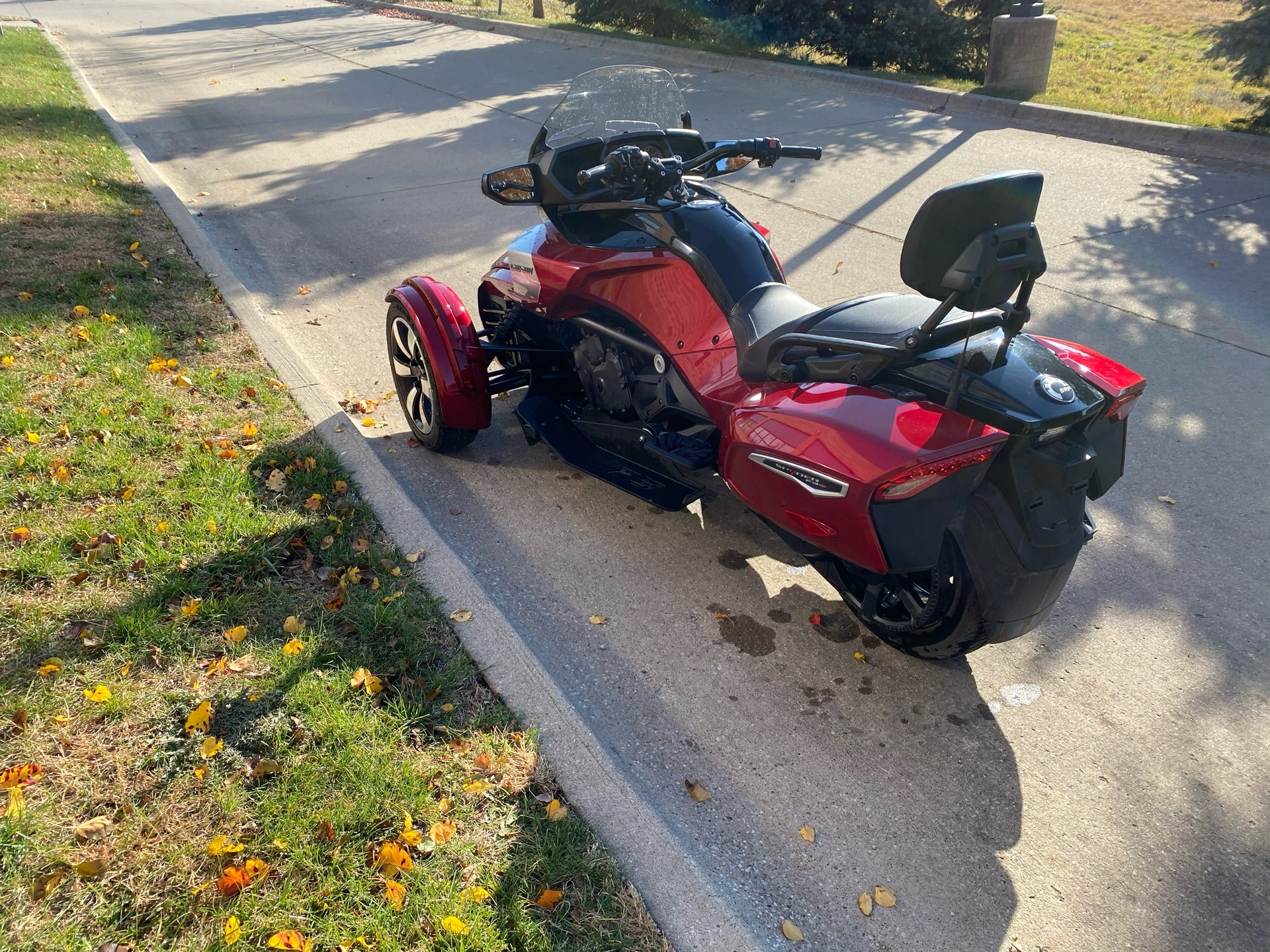 2016 Can-Am Spyder F3-T SE6 w/ Audio System in Grimes, Iowa - Photo 6