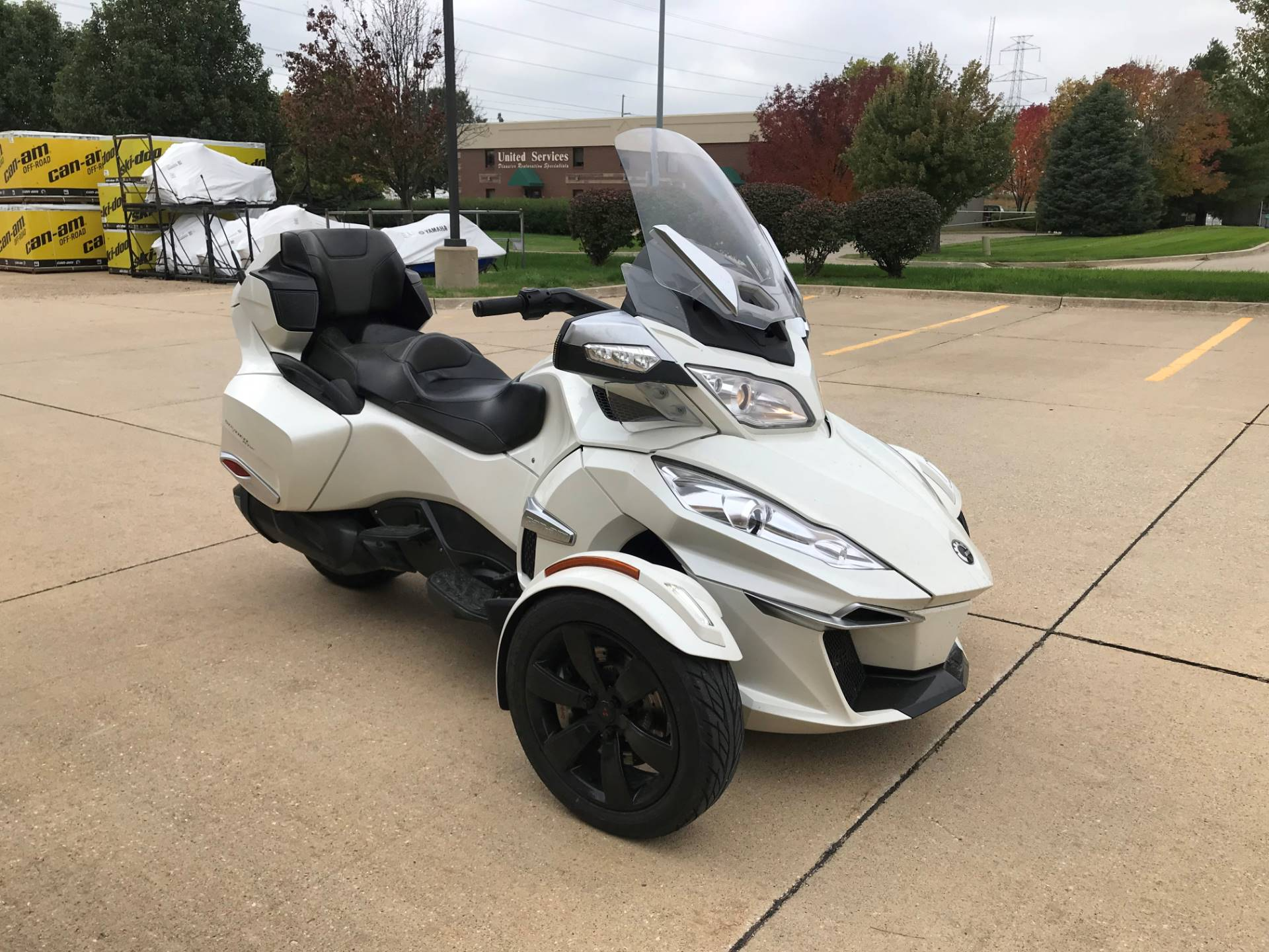 2014 Can-Am Spyder® RT-S SE6 in Grimes, Iowa