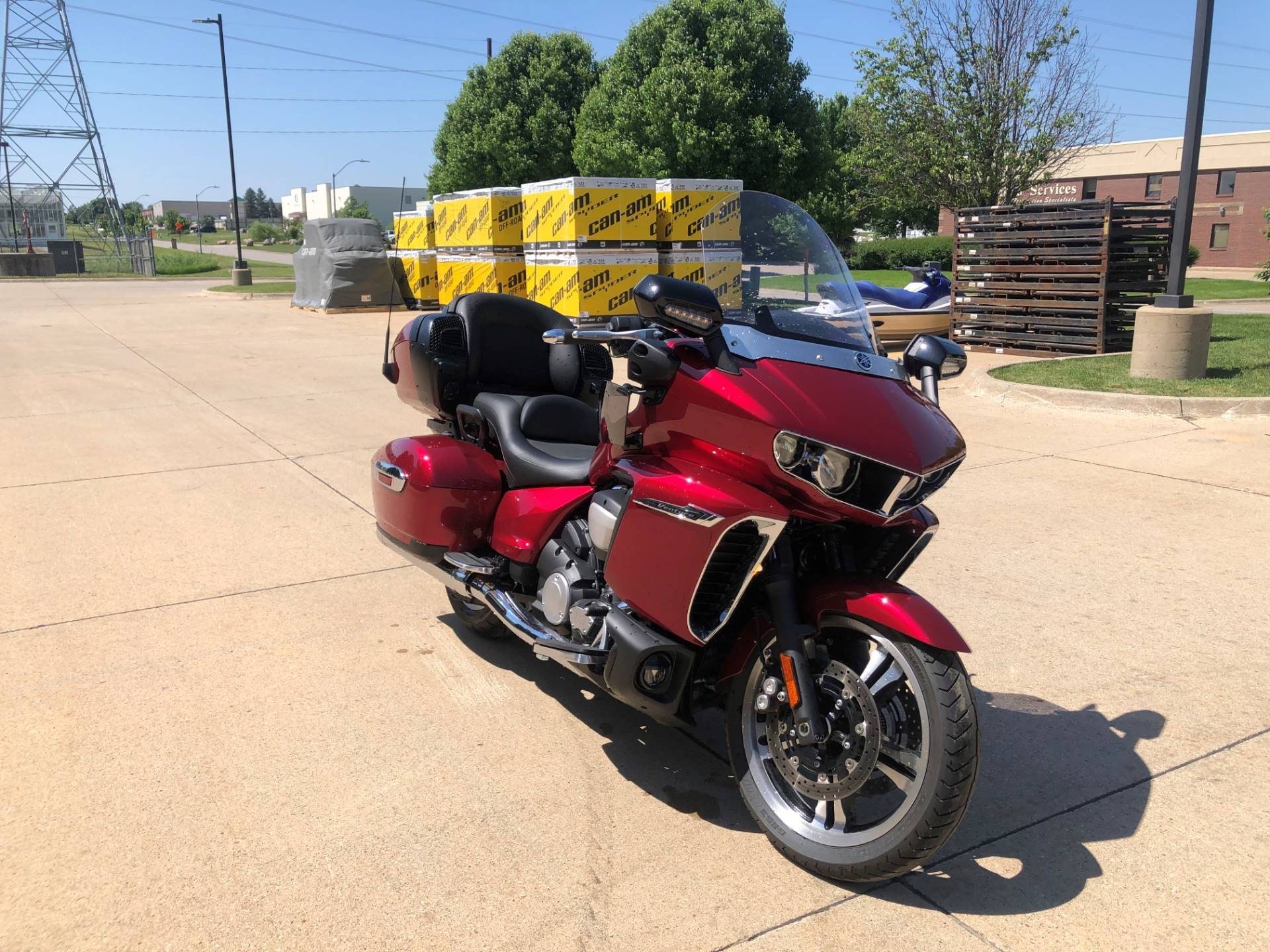 2018 Yamaha Star Venture with Transcontinental Option Package in Grimes, Iowa - Photo 2