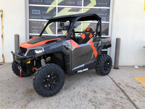2018 Polaris General 1000 EPS Deluxe in Grimes, Iowa