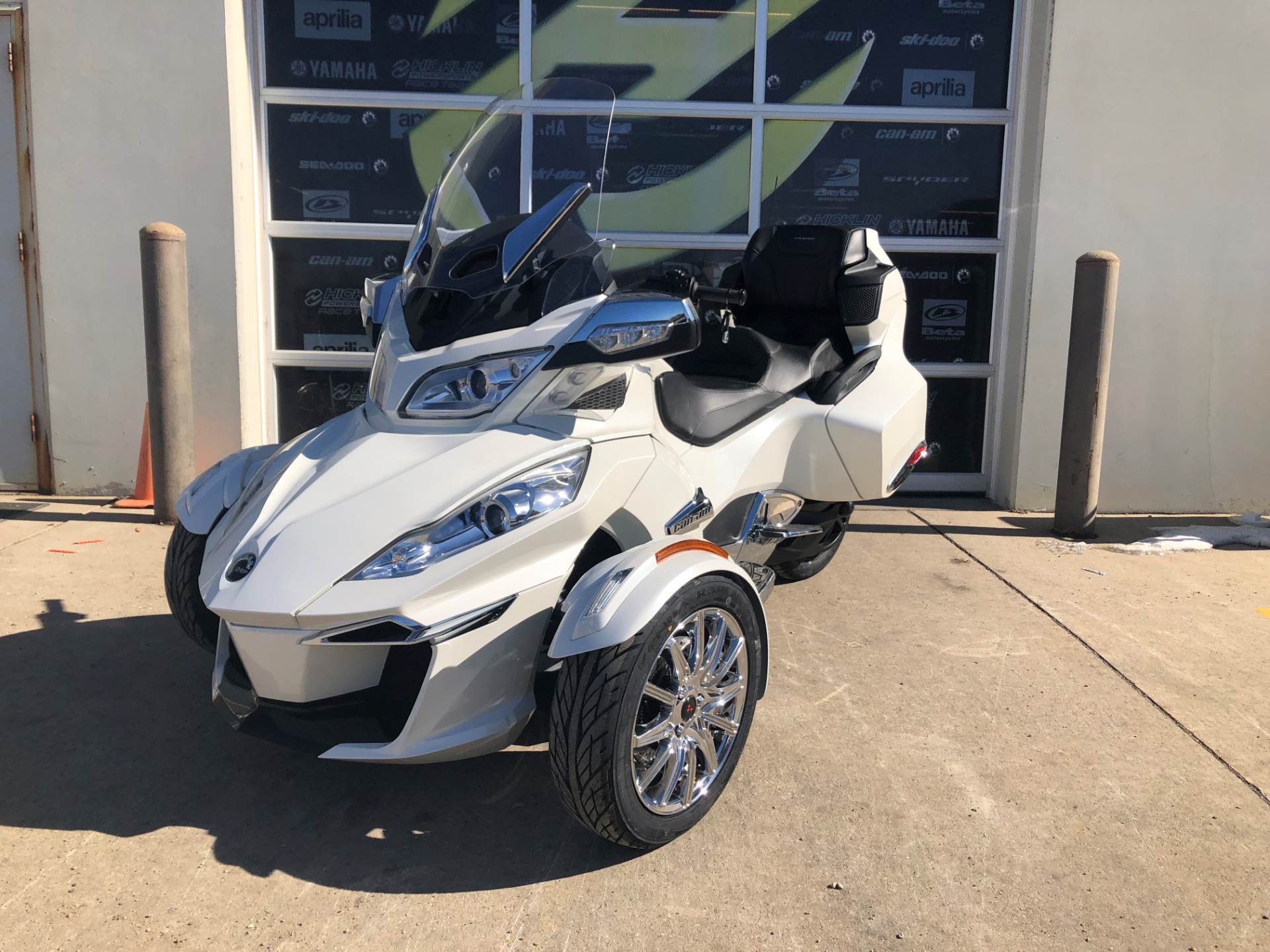 2018 Can-Am Spyder RT Limited in Grimes, Iowa - Photo 1
