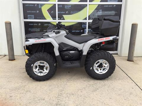 2016 Can-Am Outlander DPS 650 in Grimes, Iowa
