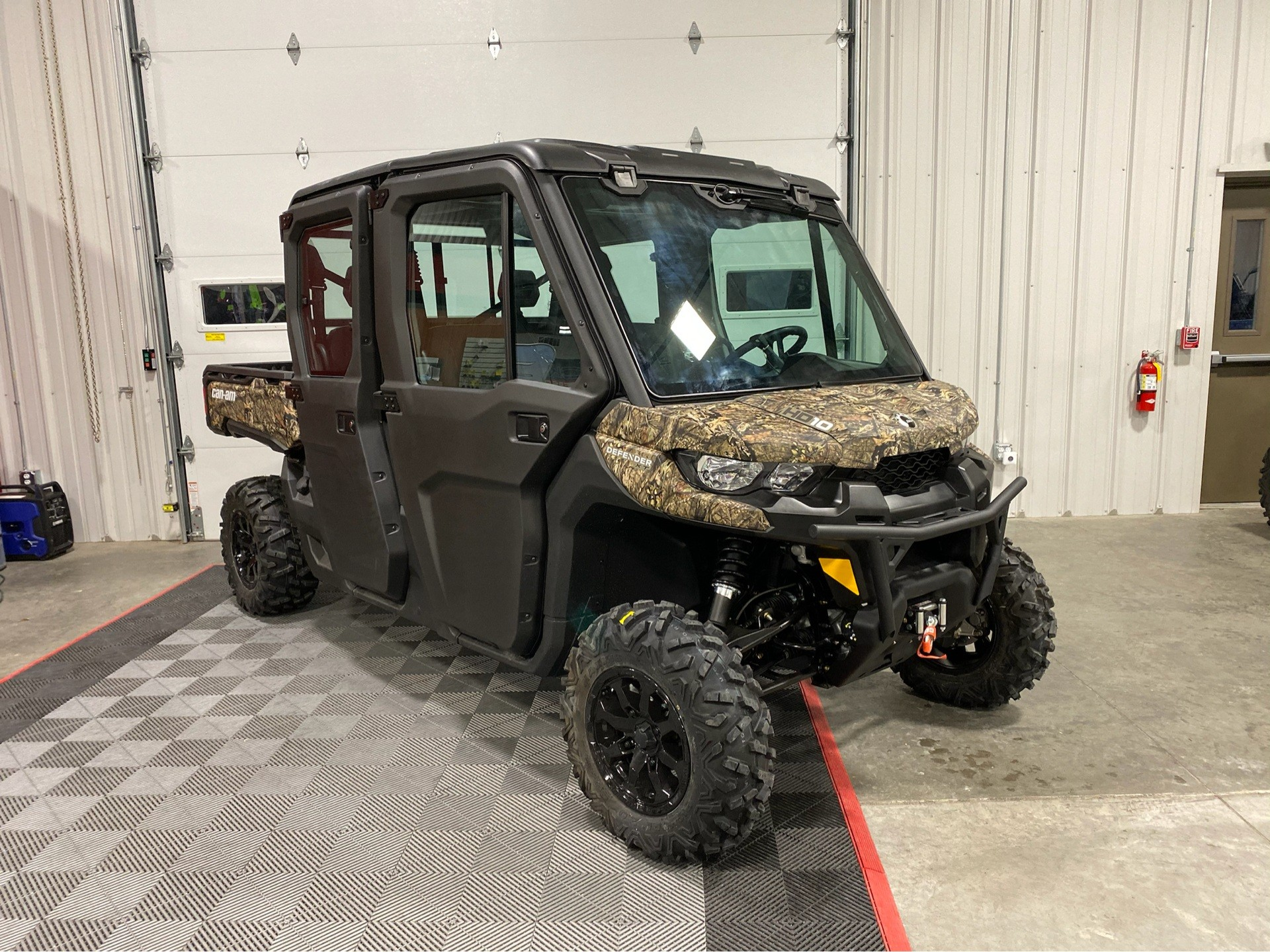 2019 Can-Am Defender MAX XT CAB HD10 in Ames, Iowa - Photo 1