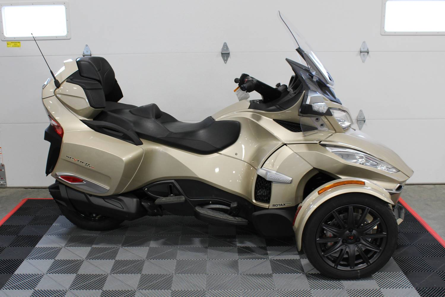 2017 Can Am Spyder Rt S In Ames Iowa