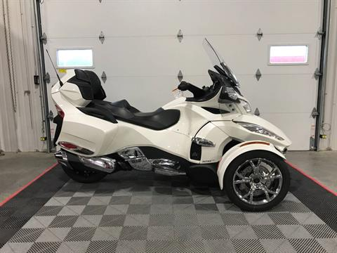 2019 Can-Am Spyder RT Limited in Ames, Iowa - Photo 1