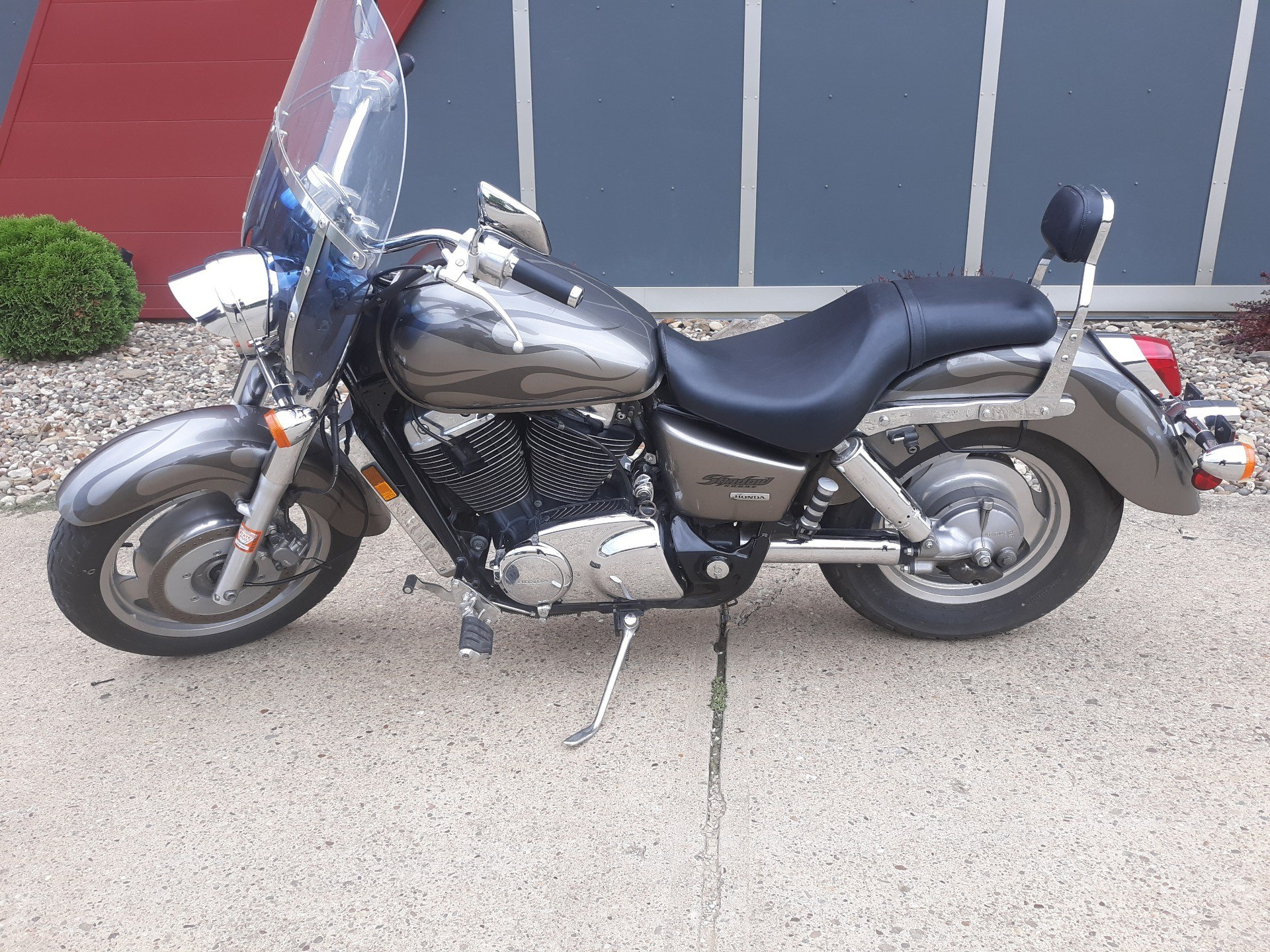 2006 Honda Shadow Sabre™ in Mineral Wells, West Virginia - Photo 3