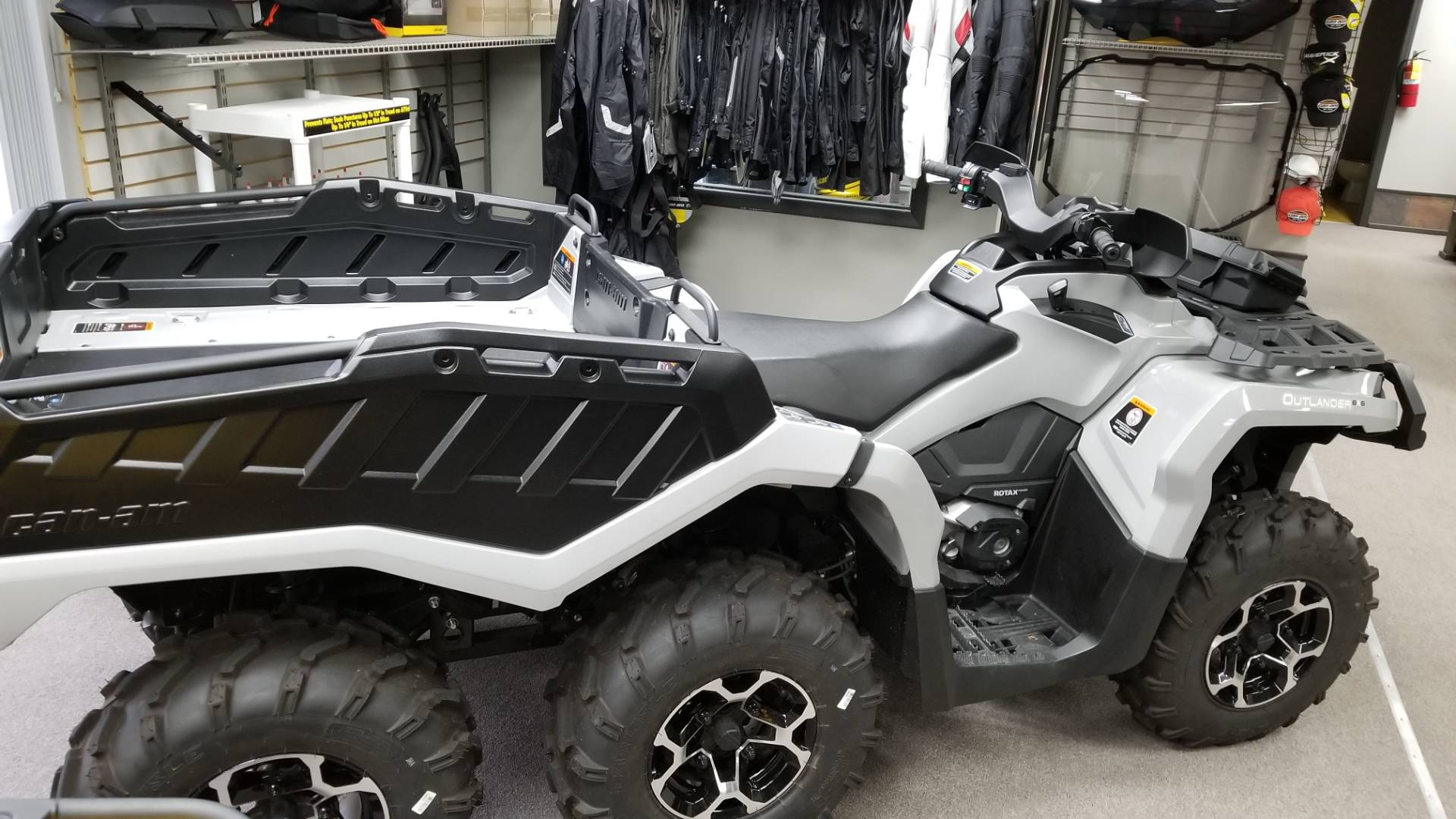 2015 Can-Am Outlander™ 6x6 XT™ 650 in Mineral Wells, West Virginia