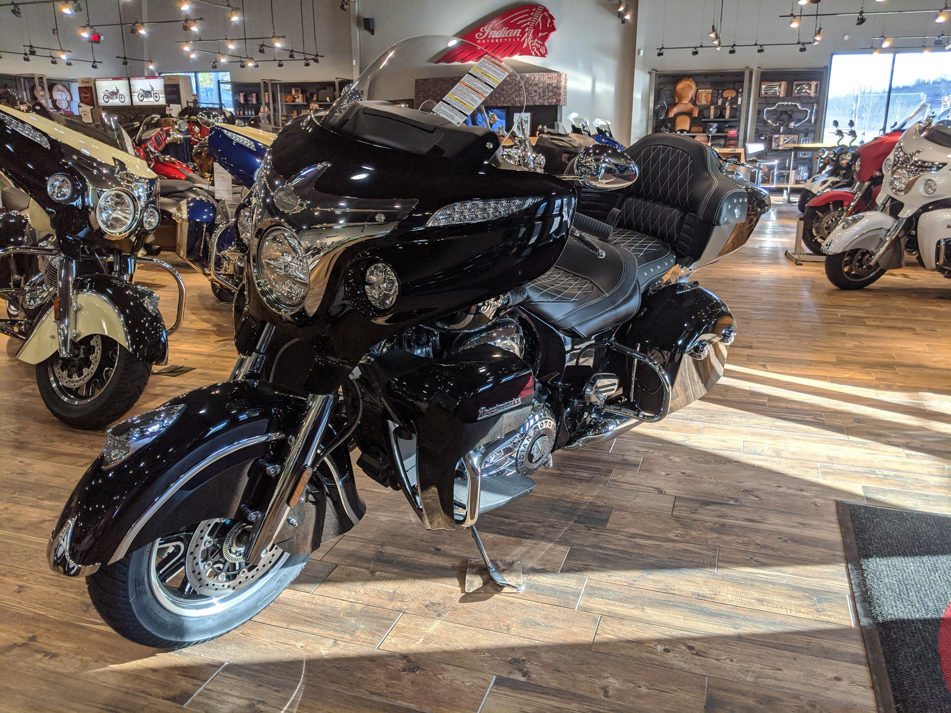 2018 Indian Roadmaster® ABS in Mineral Wells, West Virginia - Photo 3