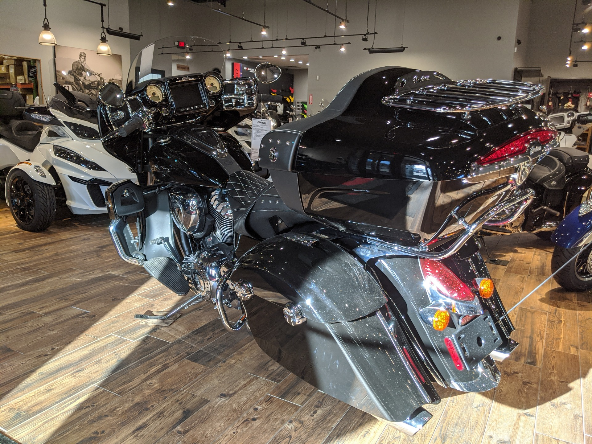 2018 Indian Roadmaster® ABS in Mineral Wells, West Virginia - Photo 5