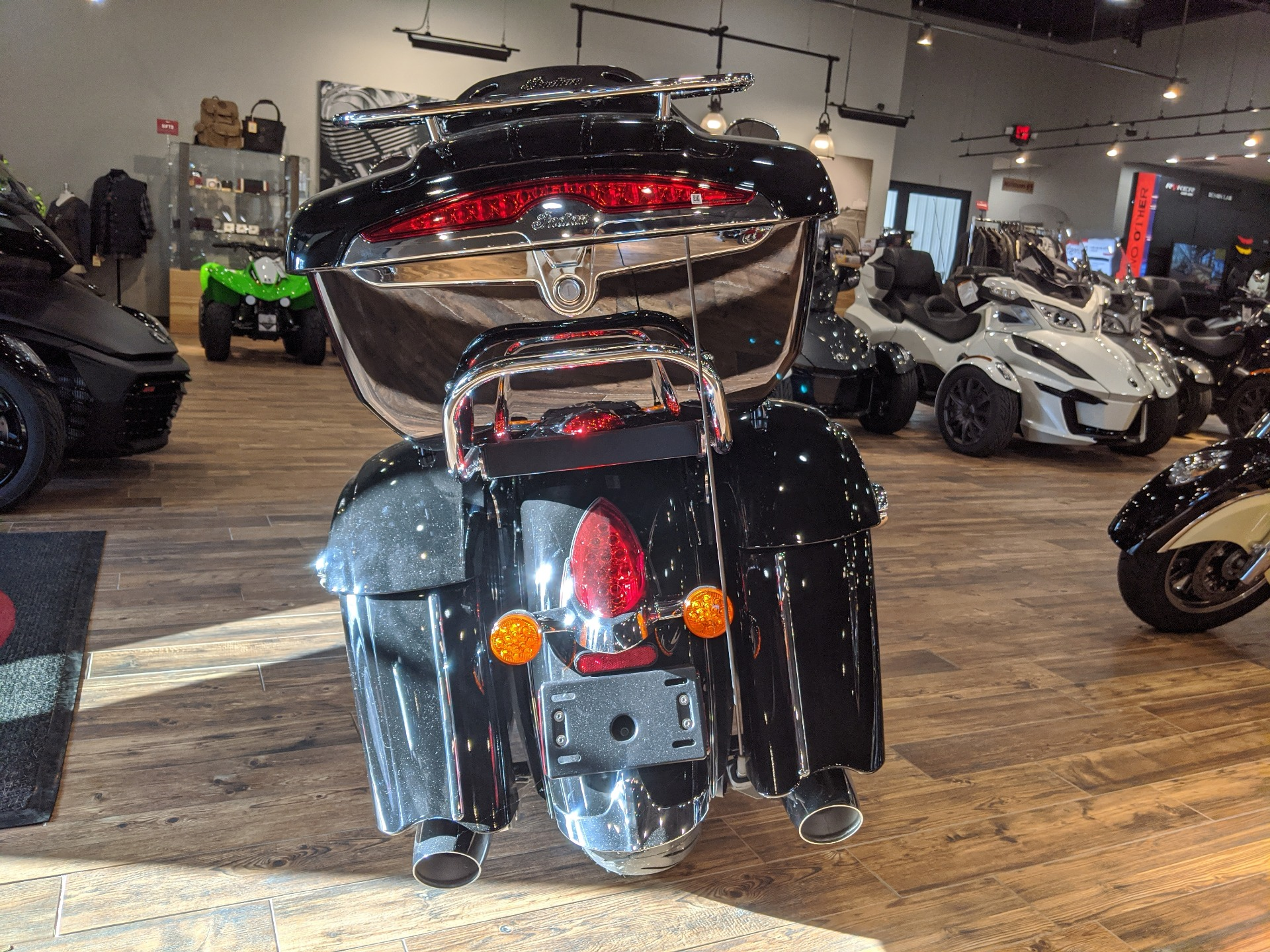 2018 Indian Roadmaster® ABS in Mineral Wells, West Virginia - Photo 6