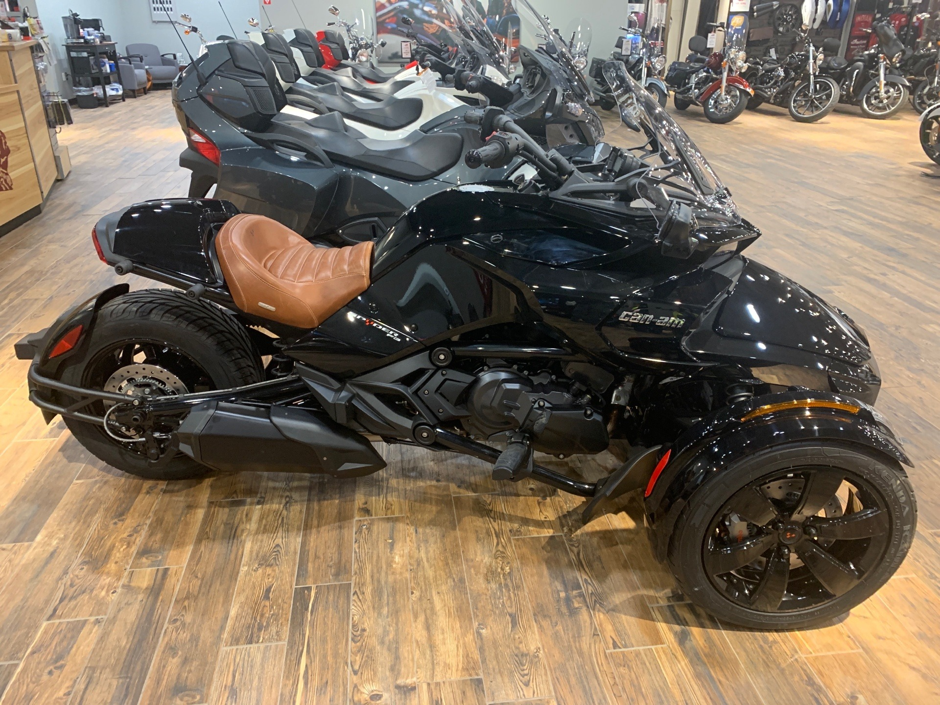 2019 Can-Am Spyder F3 in Mineral Wells, West Virginia - Photo 3