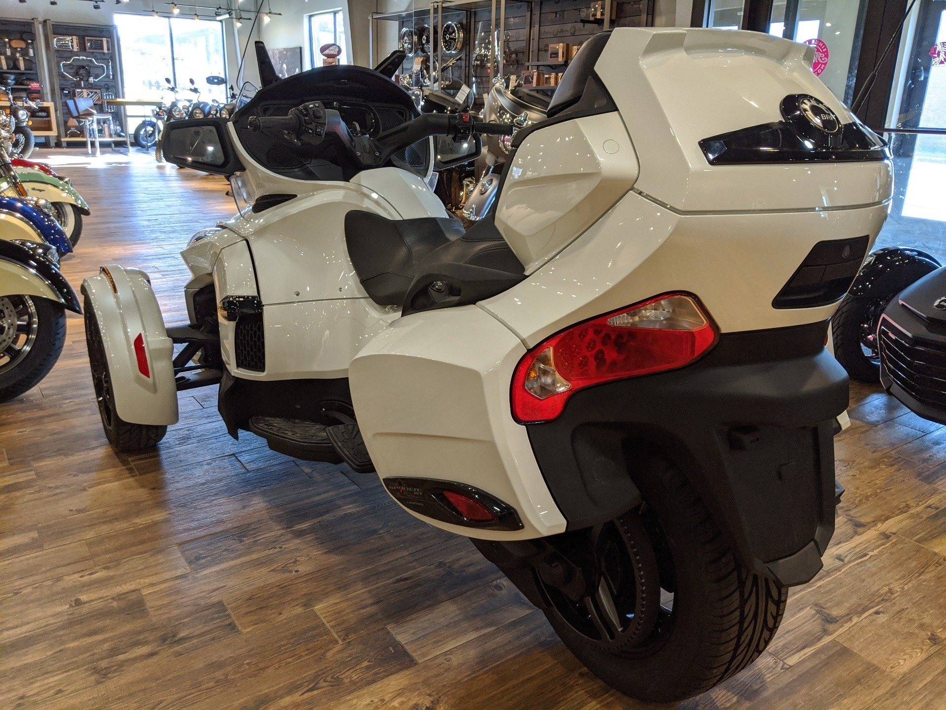 2019 Can-Am Spyder RT Limited in Mineral Wells, West Virginia - Photo 6