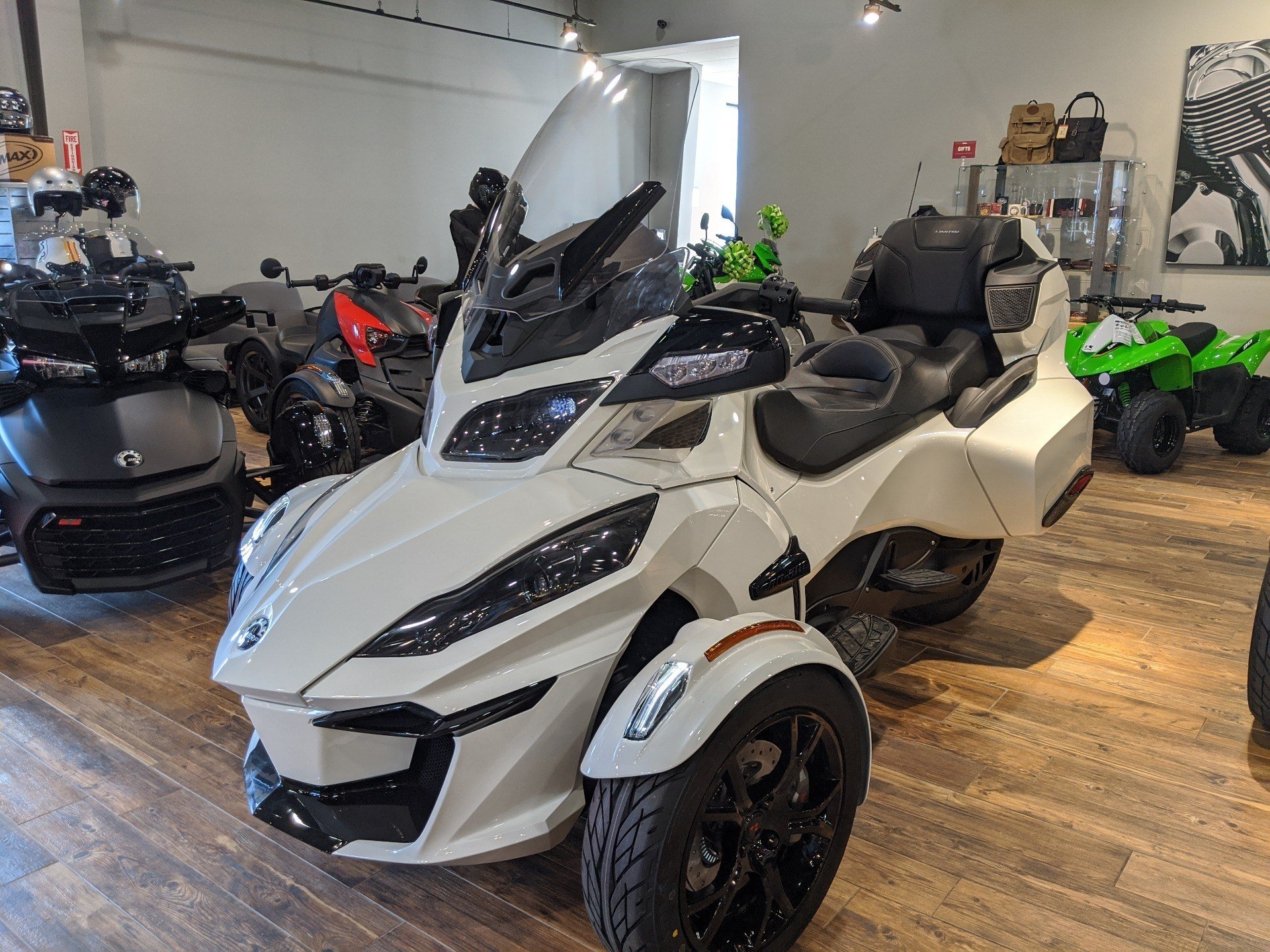 2019 Can-Am Spyder RT Limited in Mineral Wells, West Virginia - Photo 8