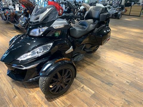 2014 Can-Am Spyder® RT-S SE6 in Mineral Wells, West Virginia - Photo 2