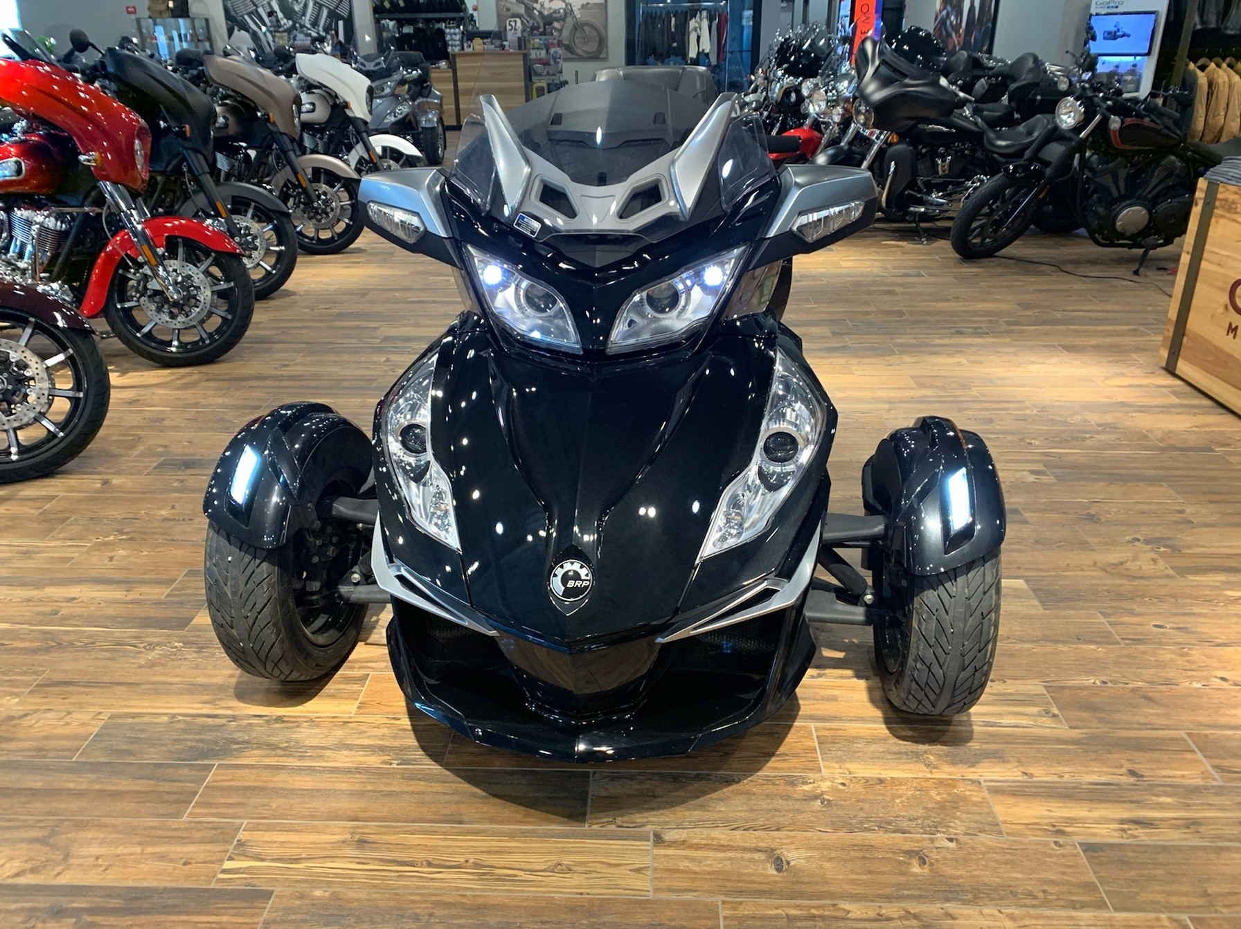 2014 Can-Am Spyder® RT-S SE6 in Mineral Wells, West Virginia - Photo 3