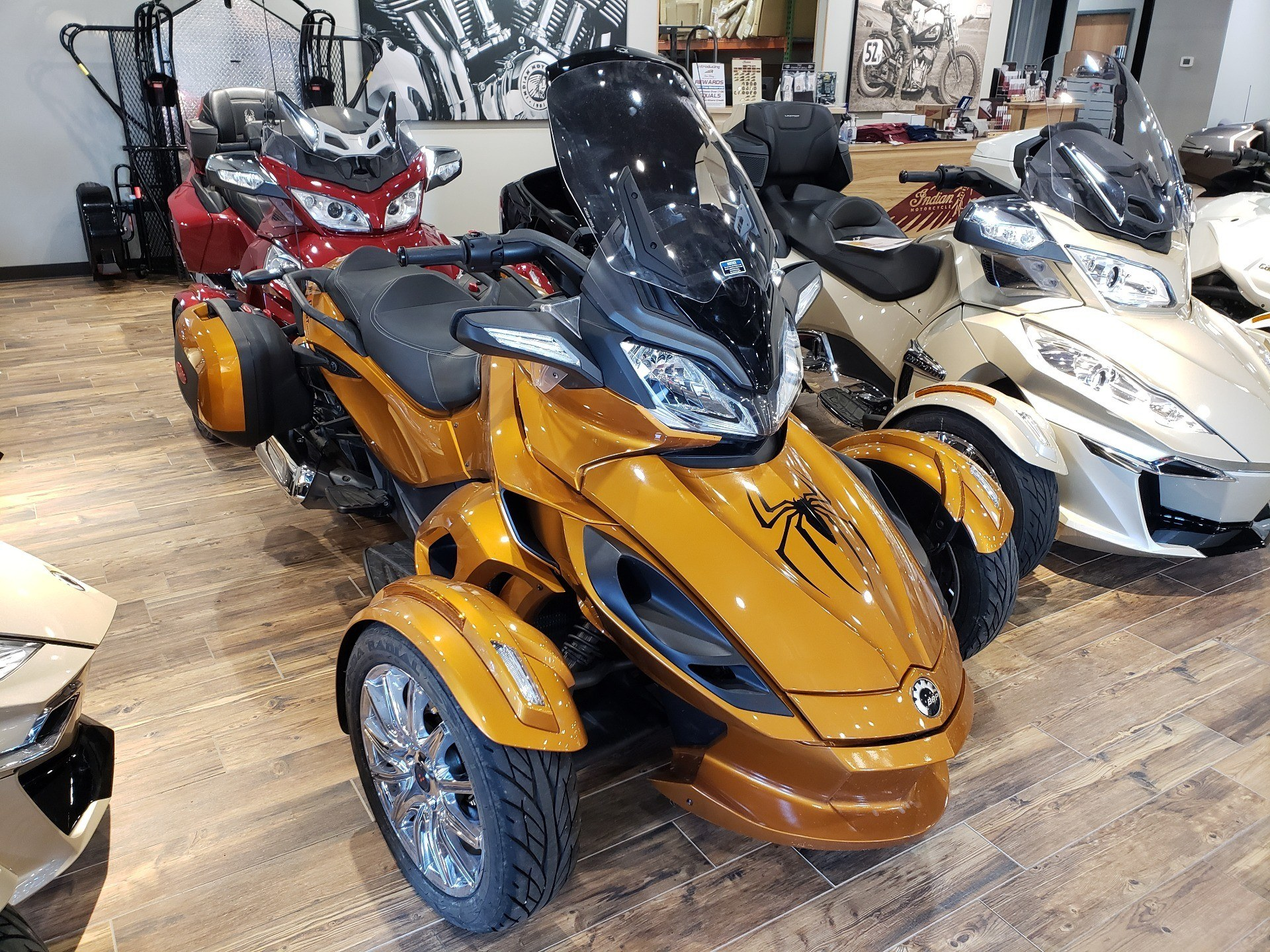 2014 Can-Am Spyder ST Limited in Mineral Wells, West Virginia