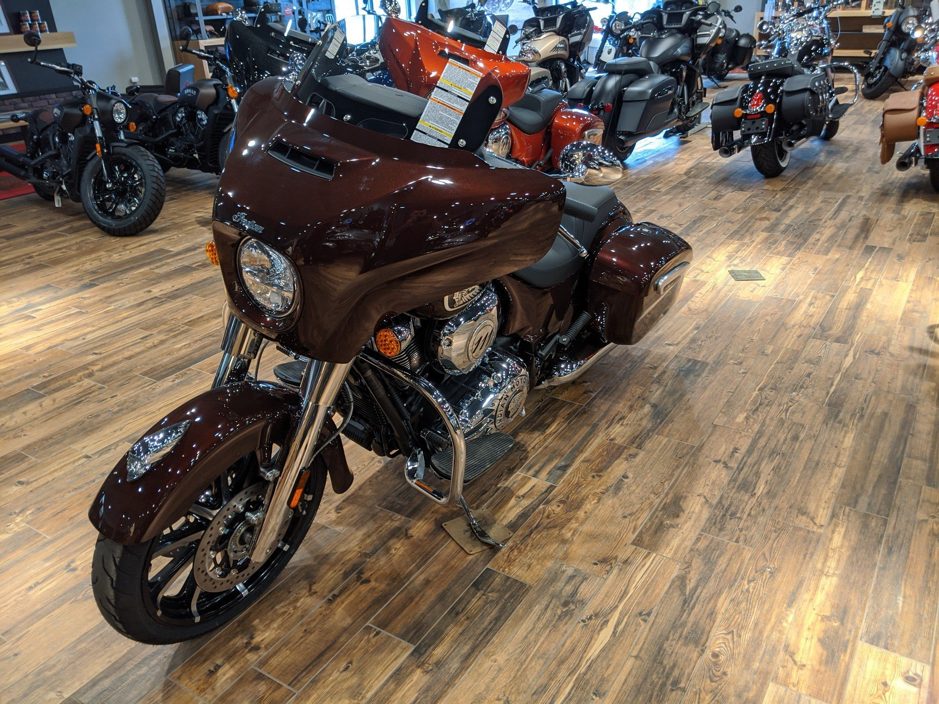 2019 Indian Chieftain® Limited ABS in Mineral Wells, West Virginia - Photo 2